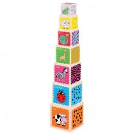 Кула от дървени кубчета